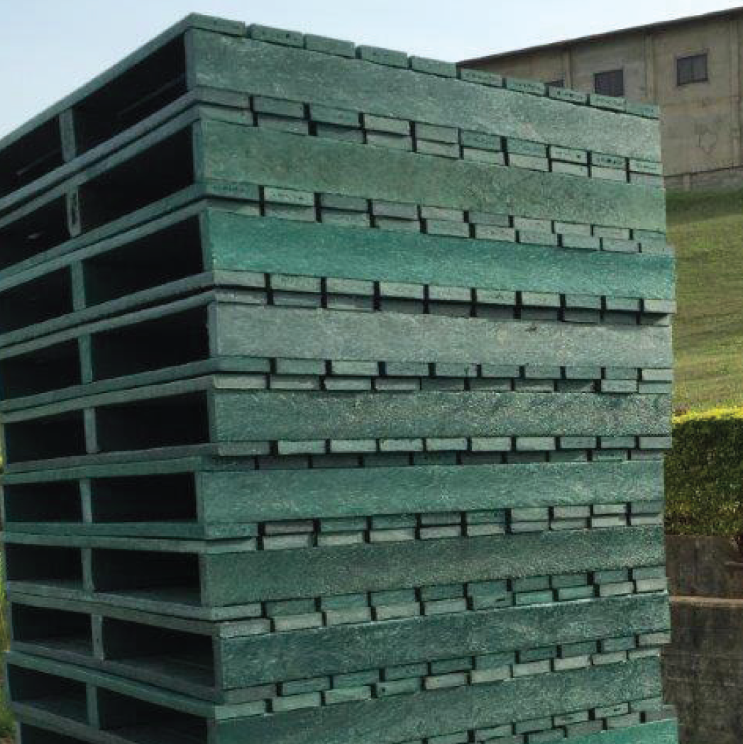 ExtruWood recycled plastic pallets